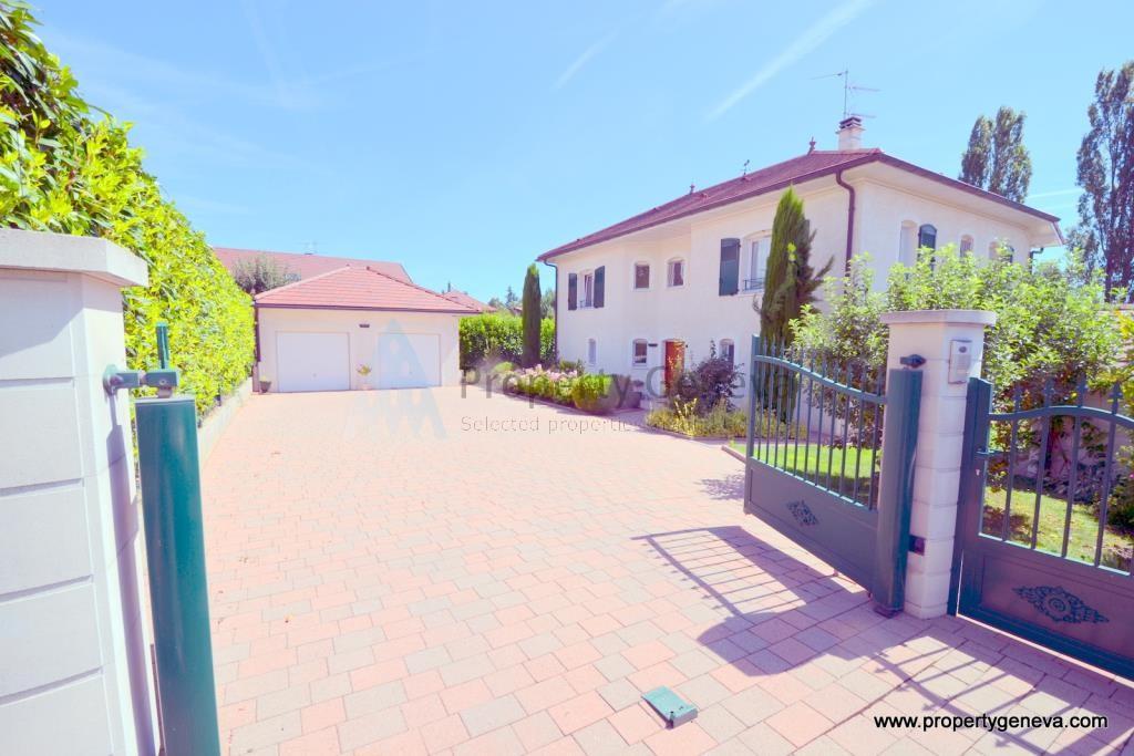 Vente pr vessin mo ns tr s belle villa de standing moderne situ e dans un quartier tr s calme for Villa tres moderne
