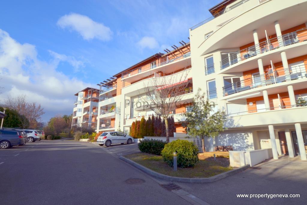 Location location ferney voltaire appartement avec 4 chambres louer property geneva - Chambre a louer a geneve ...